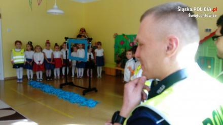 Policjanci odwiedzili 300 świętochlowickich przedszkolaków
