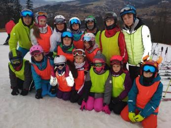 Uczniowie z ZSO nr 1 i SP nr 2 na obozie zimowym