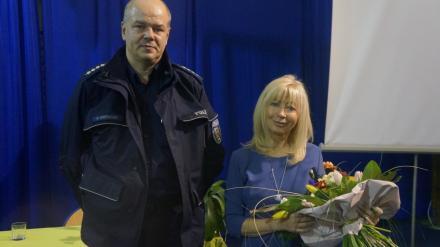 Policjanci na spotkaniu z sędzią Anną Marią Wesołowską