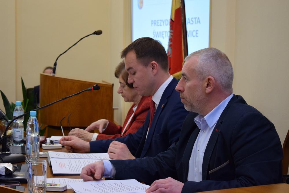 Rada Miasta: chcą odwołać Kostempskiego, ale ten sam rezygnuje!