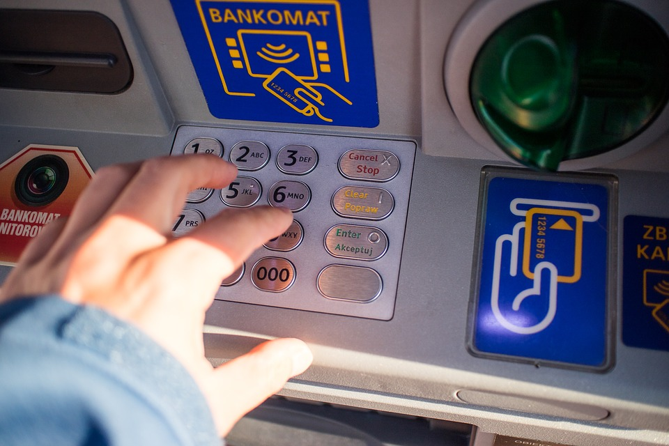 Ostrzeżenie przed QR kodami umieszczanymi na bankomatach