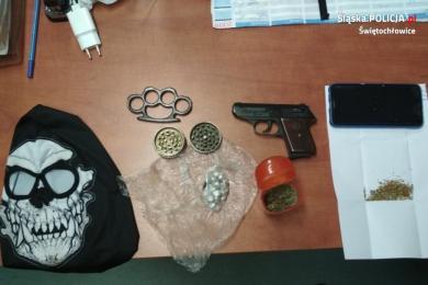 Świętochłowice: 26 - latek zatrzymany z bronią palną i narkotykami!