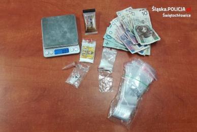 3 zatrzymanych z narkotykami i dopalaczami w Świętochłowicach