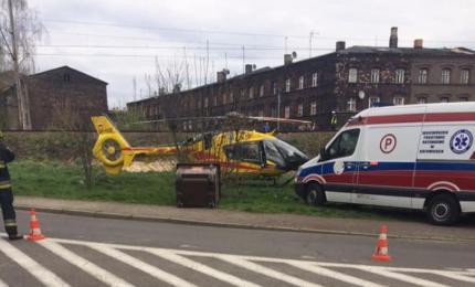 Świętochłowice: pociąg potrącił kobietę, interweniował helikopter LPR