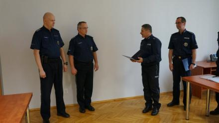 Świętochłowice: komendant wyróżnił dyżurnych za wzorową pracę