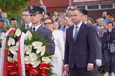 """Prezydent Andrzej Duda odwiedził Świętochłowice. """"Ślązacy, macie z czego być dumni!"""" mówił"""