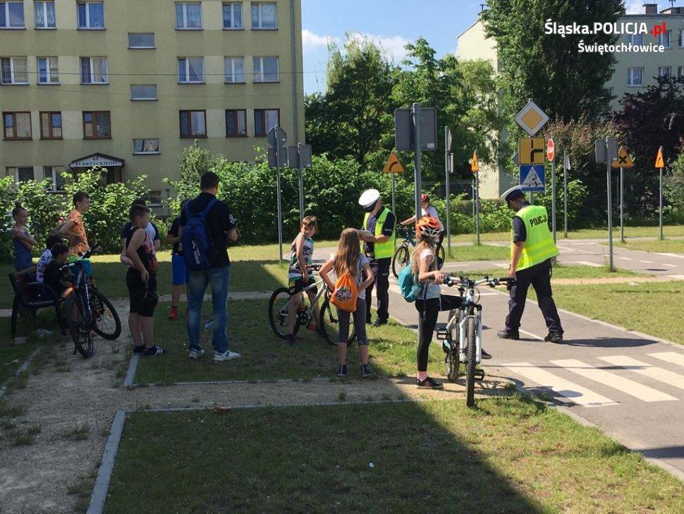 Świętochłowicka młodzież zdawała egzamin praktyczny na kartę rowerową