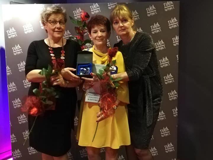 Trzy pielęgniarki z ZOZ Świętochłowice z Diamentowymi Czepkami