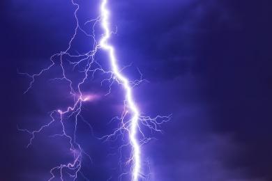 IMGW ostrzega przed burzami z opadami deszczu na terenie województwa śląskiego!
