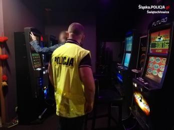 Ponowne uderzenie w nielegalny hazard. Zarekwirowano 5 nielegalnych automatów