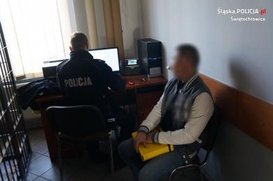 Świętochłowiccy policjanci zatrzymali nietrzeźwego 40-latka na podwójnym zakazie