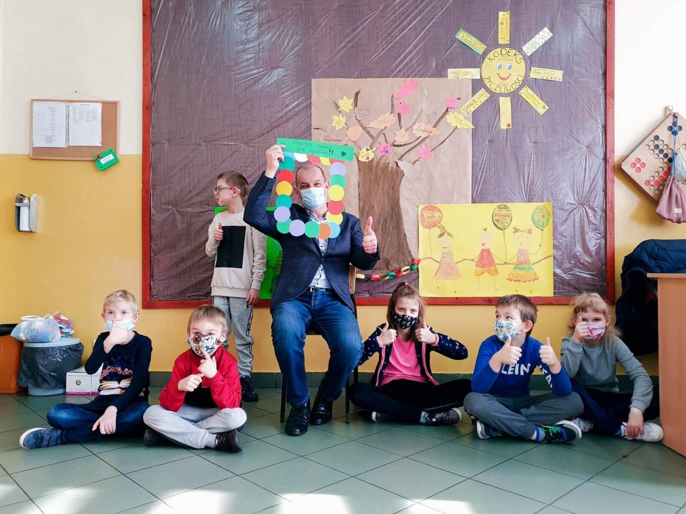 Międzynarodowy Dzień Życzliwości w Szkole Podstawowej Specjalnej nr 10