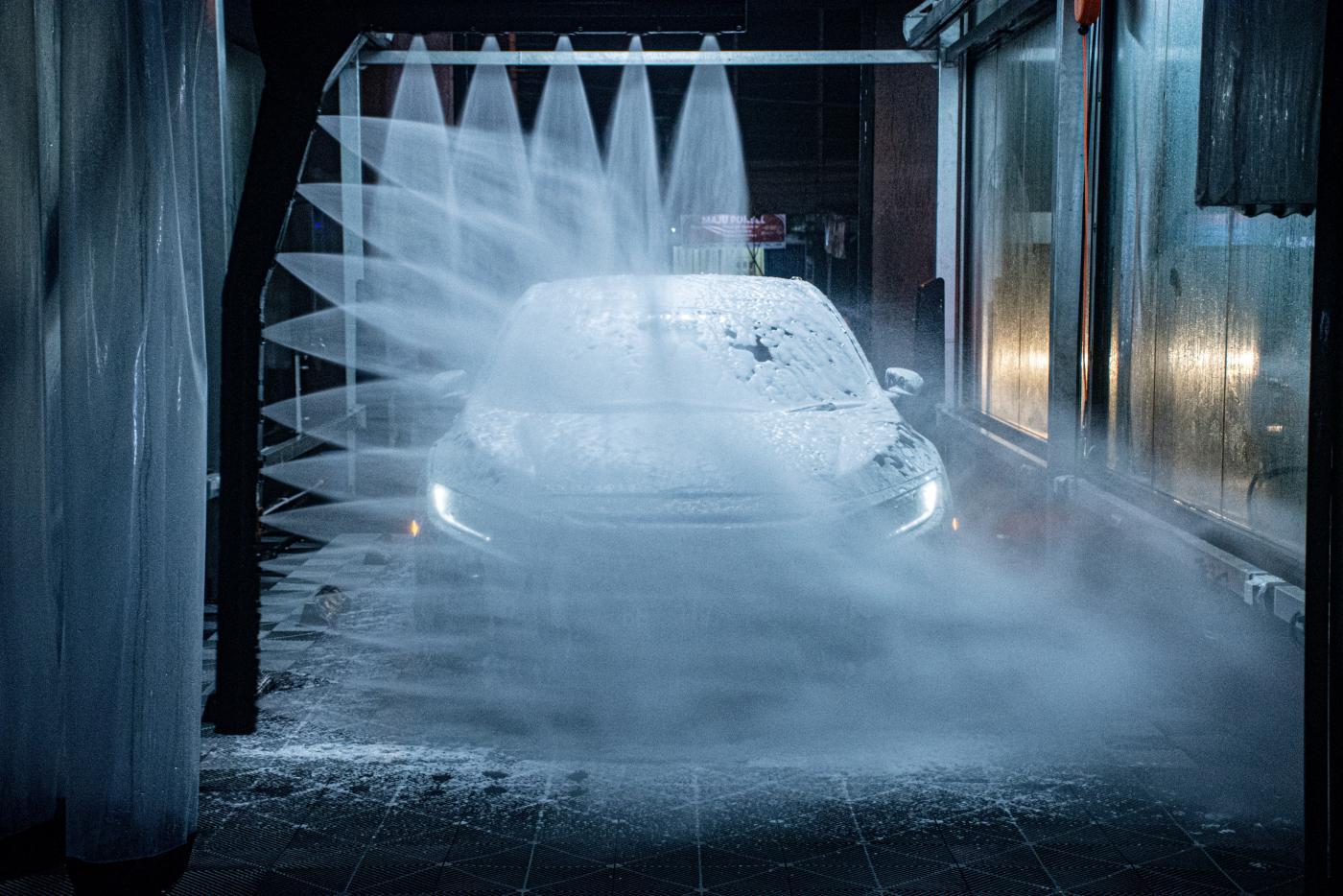 Budowa myjni samoobsługowych - jak odpowiednio się do niej przygotować?