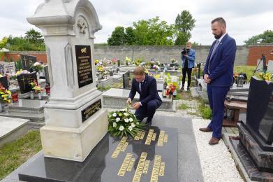 Wczoraj w Chropaczowie oficjalnie odsłonięto po renowacji pomnik poległych górników